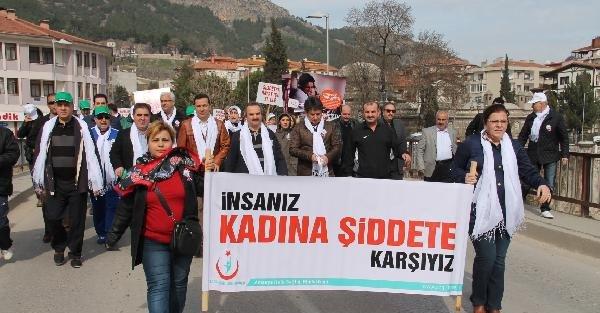 Amasya'da 'Kadına şiddete hayır' yürüyüşü