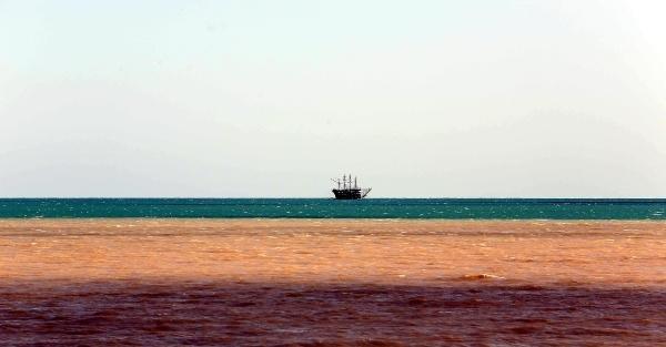 Antalya Körfezi çamura döndü