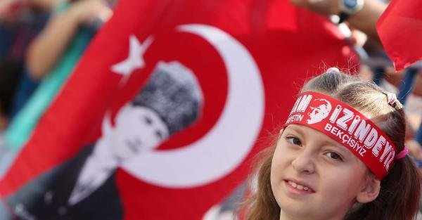 Antalya'daki Kutlamalarda Cumhuriyetçi Kadınlar Yürütülmedi
