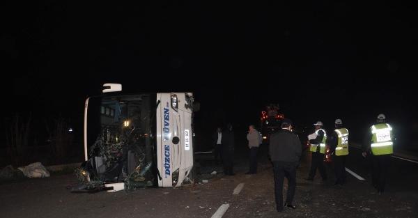 Aydın'da otobüs devrildi: 15 yaralı