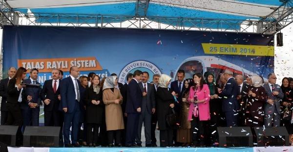 Başbakan Ahmet Davutoğlu'ndan...