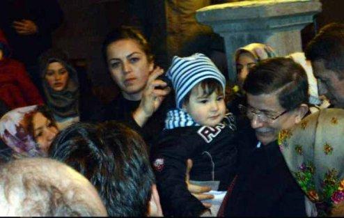 Başbakan Davutoğlu, Ahıska Türklerini ziyaret etti
