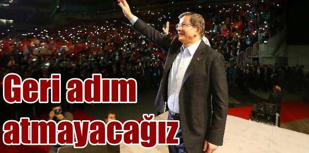 Başbakan Davutoğlu gurbetçilere seslendi: Bir santim geri adım atmayacağız