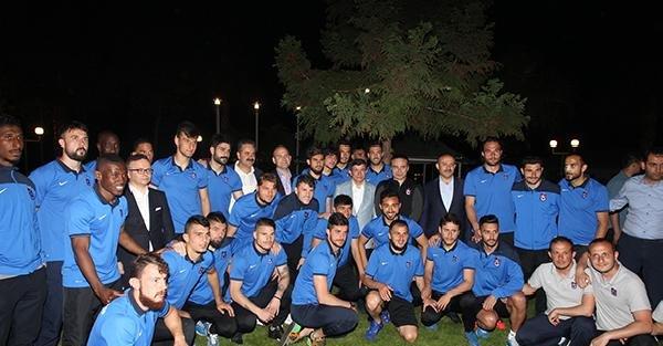 Başbakan Davutoğlu, Trabzonspor'u ziyaret etti