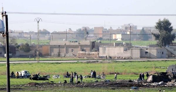 Bombardıman sonra IŞİD'in rafinerisi kullanılamaz hale geldi