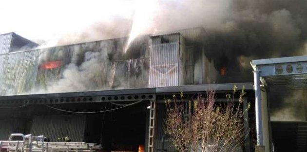 Bursa tekstil fabrikasında korkutan yangın