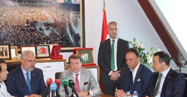 Bursaspor'da yeni yönetim mazbatasını aldı