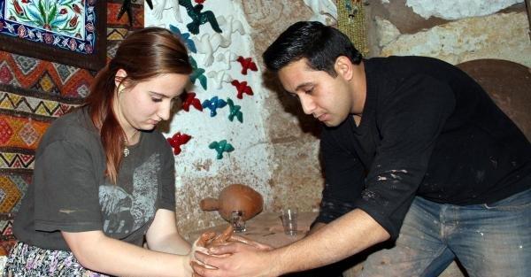 Çek Öğrenciler Kapadokya'da Çanak- Çömlek Yapıyor