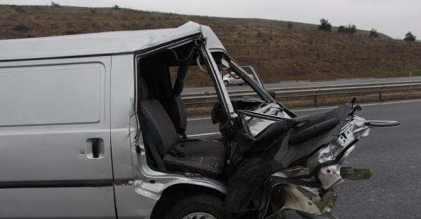 Cenazeden Dönen Aile Kaza Yaptı: 4 Yaralı