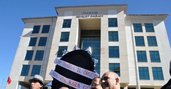 Chp'den Trabzon'da Adliyeye...