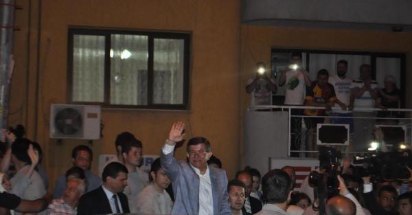 Davutoğlu, İzmir'de Başbakanlık Ofisi'ni açtı (EK fotoğraf)