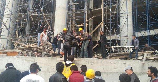 Devlet Hastanesi İnşaatinda İskele Çöktü: 3 Yaralı
