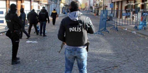 Diyarbakır'da polise saldırı,4 polis yaralandı...