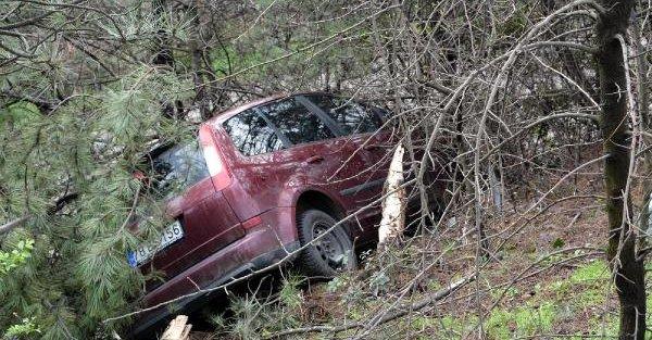 Doktor, nöbet çıkışı evine giderken kazada yaralandı