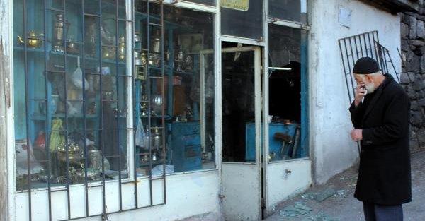 Dükkandan Antika Semaverleri Çaldilar