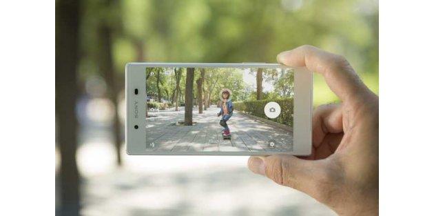 Dünyanın en iyi akıllı telefonu Sony Xperia Z5