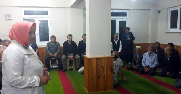Düzce'de 'camide siyasete' tepki