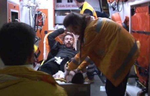Eczane'de dehşet; Bıçaklı saldırganı polis ayağından vurdu