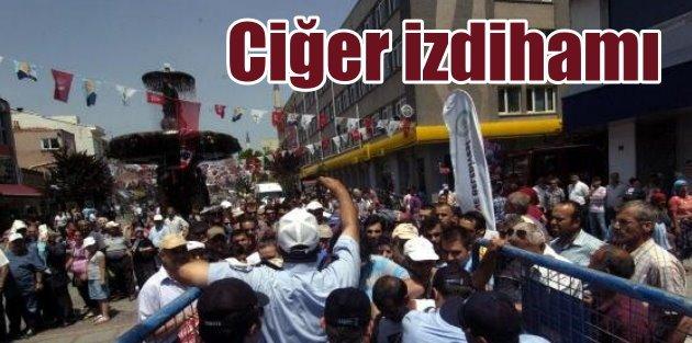 Edirnede ciğer izdihamı, Festivalde 3.5 ton ciğer dağıtıldı