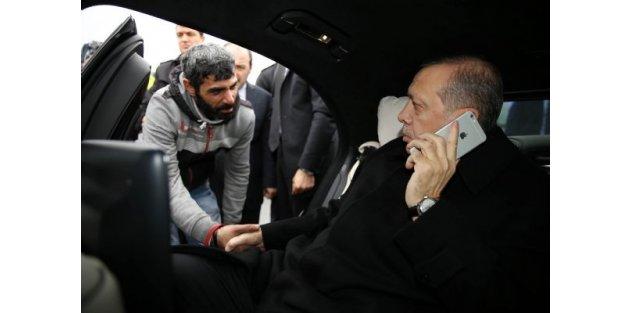 Erdoğan Boğaziçi Köprüsü'nde intihara girişen genci ikna etti