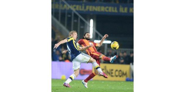 Fenerbahçe-Galatasaray maçının ikinci yarı fotoğrafları