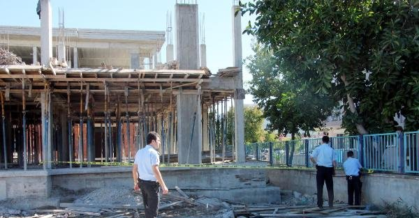 Fethiye'de İnşaattan Düşen İşçi Öldü