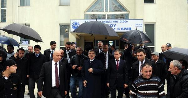 Fotoğraflar /// 11. Cumhurbaşkanı Gül, Cuma Namazı Sonrası Soruları Yanıtladı