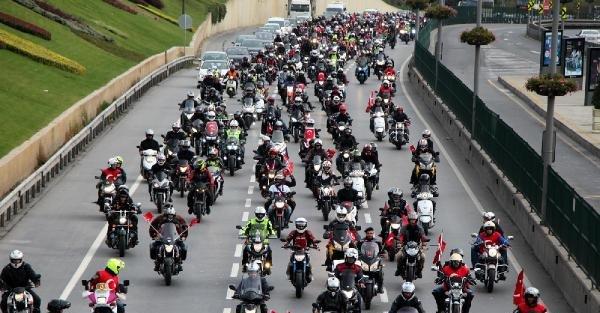 Fotoğraflar -  Motosikletliler Kortej Oluşturdu