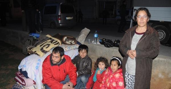 Gaziantep'te sokakta kalan aileye belediye sahip çıktı