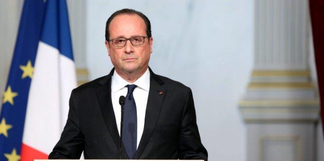 Hollande Rusya'yı uyardı