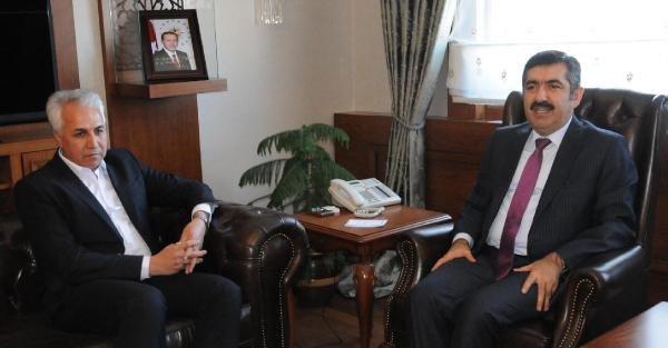 İran'in Salmas Kenti Belediye Başkanı Van Valisi Doğan'ı Ziyaret Etti