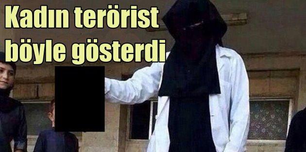 IŞİDli kadın militan kafa kopardı