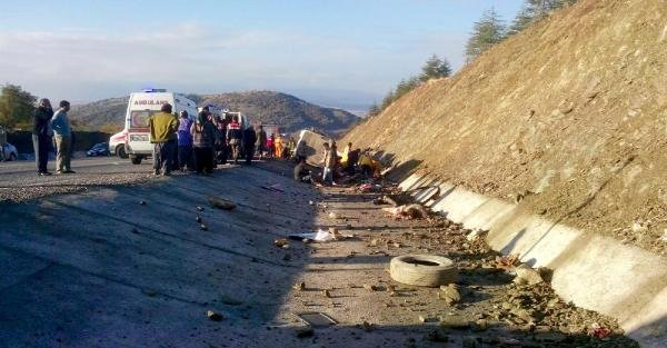 Isparta'da feci kaza: 15 Ölü, 28 Yaralı