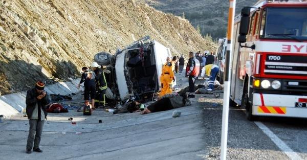 Isparta'da Kaza: 15 Ölü, 30 Yaralı (4)