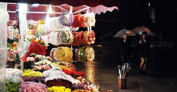 İstanbul'da Yağmur Gece De Devam Etti