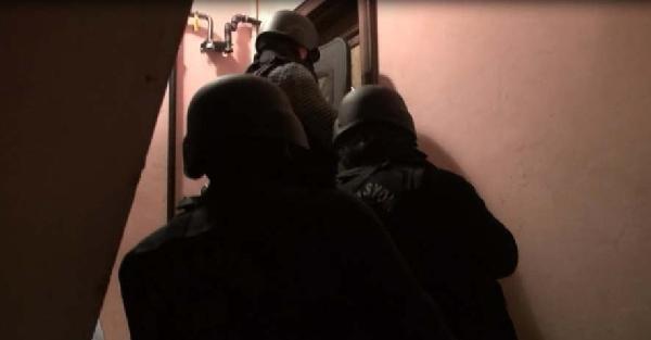 İstanbul'daki Şafak Vakti Yapılan Terör Operasyonu Polis Kamerasında