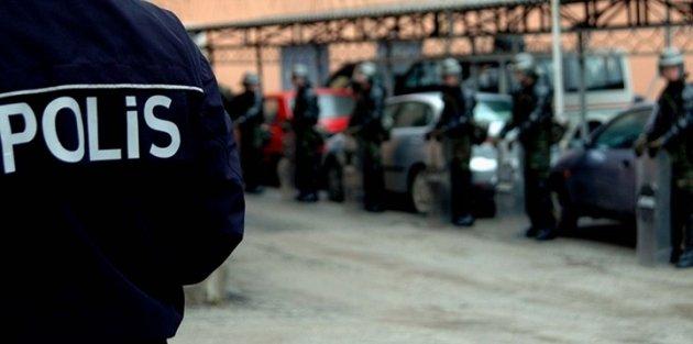 İzmir güne 'paralel yapı' operasyonuyla başladı