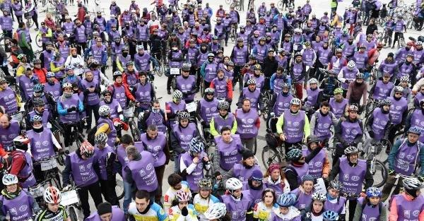 Kadına yönelik şiddeti protesto için pedal çevirdiler