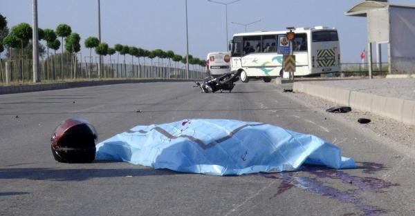 Kamyonetin çarptığı motosikletli kazada öldü