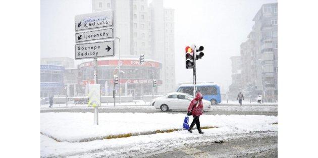 Kar yağışı devam ederken İBB son verileri paylaştı
