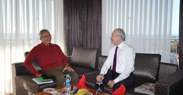 Kılıçdaroğlu Ve Baykal Kahvaltı Yaptı