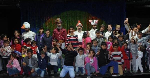 Kobanili Çocuklar Tiyatro İle Buluştu