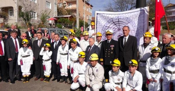 Kömürü Bulan Uzun Mehmet Anıldı