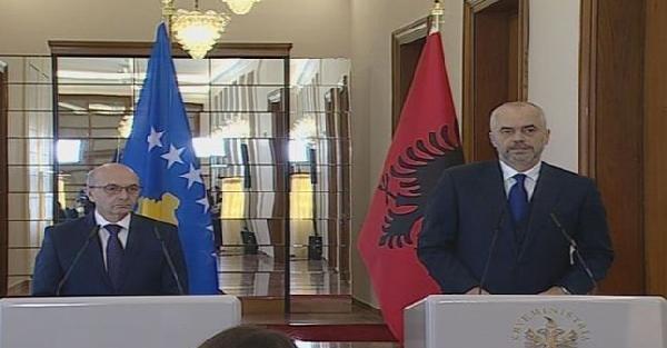 Kosova Başbakanı İsa Mustafa, Tiran'a resmi ziyarette bulundu