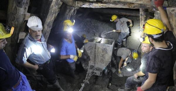 Maden Ocağında 8'inci Gün: Umutlar Tükeniyor (2)