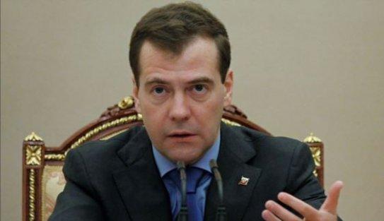 Medvedev: Kara harekatı topyekün savaş nedeni