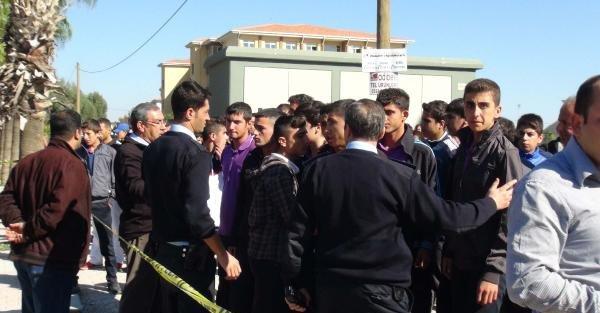 Mersin'de Lisede Gözaltı Gerginliği: Polis Havaya Ateş Açtı