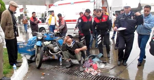 Motosikletle Otomobil Çarpişti: 2 Yaralı