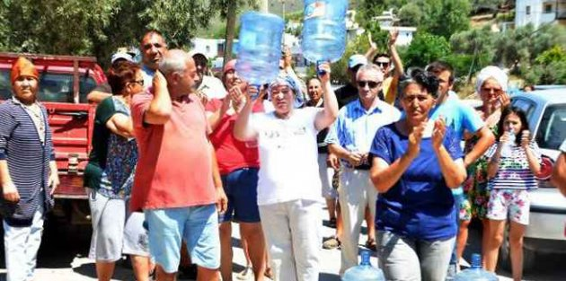 Muğla Milas'ta susuzluk isyanı: Vatandaşlar yok kapattı