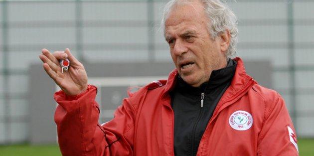 Mustafa Denizli Madrid...